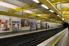 Métropolitain, station Père-Lachaise -  Père Lachaise, Paris.