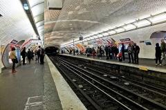 Métropolitain, station République -  Métro République, Paris.