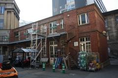Hôpital Saint-Antoine - English: Workshop building inside the Saint-Antoine hospital in Paris, France