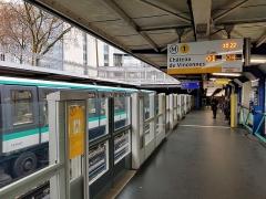 Métropolitain, station Bastille - Français:   Station Bastille, direction Château de Vincennes.