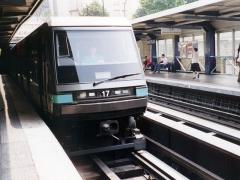 Métropolitain, station Bastille - Deutsch:   Pariser Metro im Bahnhof Bastille