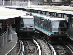 Métropolitain, station Bastille - Nederlands:   De Parijse metro in 2008