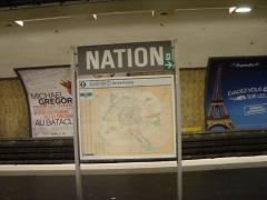 Métropolitain, station Nation - Français:   Quais de la station Nation sur la ligne 6 du métro parisien.