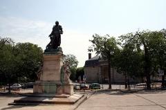 Hôpital de la Salpêtrière -  Monument to Philippe Pinel, in front of La Pitié Salpètrière, Paris, France