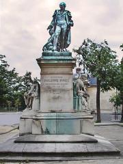 Hôpital de la Salpêtrière -  Philippe Pinel statue, Salpetriere, Paris, France