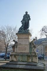 Hôpital de la Salpêtrière -  Statue of Philippe Pinel @ Paris
