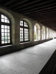 Hôpital Cochin (ancien noviciat des Capucins) - Cloître de l'abbaye de Port-Royal de Paris (75014).