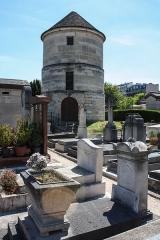 Cimetière Montparnasse -  Moulin de la Charité, Montparnasse cemetery, Paris.