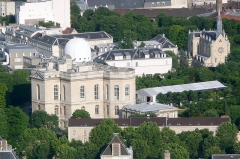 Observatoire de Paris - English: Paris Observatory and chapel of the Sisters of St Joseph de Cluny, view from the summit of the Montparnasse Tower, XIVe arrondissement, Paris, France.