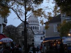 Eglise Saint-Pierre-de-Montmartre - English: Street View of Paris