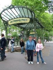 Métropolitain, station Abbesses -  Descent to Gare Abesses  Photographed by: Per Palmkvist Knudsen