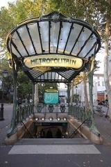 Métropolitain, station Abbesses - Polski: Paryż - stacja Abbesses linii nr 12 metra