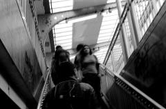 Métropolitain, station Barbès-Rochechouart - Français:   Escalier du metro Barbès Rochechouart