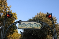 Métropolitain, station Pigalle - Polski: Paryż - szyld stacji metra Pigalle