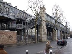Métropolitain, station Jaurès - Deutsch: Station Jaurès der Métrolinie 2 in Paris