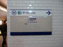 Métropolitain, station Gambetta - Français:   Panneau à la station Gambetta de la ligne 3 bis du métro de Paris, France.