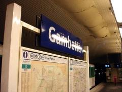 Métropolitain, station Gambetta - Français:   Panneau de la station Gambetta de la ligne 3 bis du métro de Paris, France.