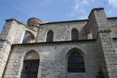 Collégiale Saint-Martin - Deutsch: Ehemalige Kollegiatskirche Saint-Martin in Champeaux (Seine-et-Marne) im Département Seine-et-Marne in der Region Île-de-France (Frankreich), Ansicht von Süden