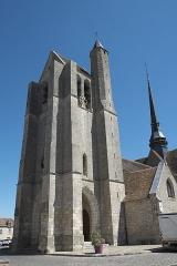 Eglise Saint-Martin - Deutsch: Katholische Kirche Saint-Martin in Égreville im Département Seine-et-Marne (Region Île-de-France/Frankreich), Glockenturm
