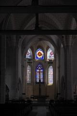 Eglise Saint-Martin - Deutsch: Katholische Kirche Saint-Martin in Égreville im Département Seine-et-Marne (Region Île-de-France/Frankreich), Innenraum mit Blick zum Chor