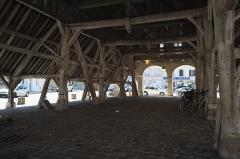Halles - Deutsch: Markthalle in Égreville im Département Seine-et-Marne (Region Île-de-France/Frankreich)