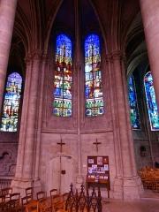 Abbaye Saint-Pierre - Intérieur de l'église - voir titre.