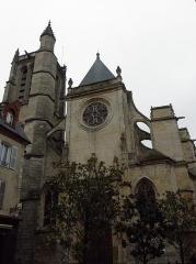 Eglise Saint-Aspais - Français:   Façade occidentale de l\'église Saint-Aspais de Melun (77).