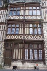 Maisons néogothiques -  Maisons néogothiques, rue du Grez  (Seine-et-Marne, France)