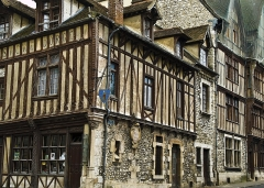 Maisons néogothiques -  Maison du sucre d'orge, Moret sur Loing, France