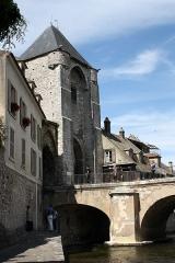 Pont de Moret - Deutsch: Porte de Bourgogne in Moret-sur-Loing im Département Seine-et-Marne (Île-de-France)