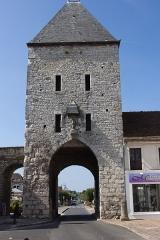 Portes de Paris et de Bourgogne -  La porte de Samois à Moret-sur-Loing (Seine-et-Marne, France)