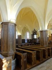 Eglise Saint-Vincent -  Interieur de l'église (voir titre), bancs de fidèles classés M.H..