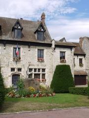 Ancienne maison Clément, actuellement hôtel de ville - English: Town Hall of Moret sur Loing, Ile de France, France