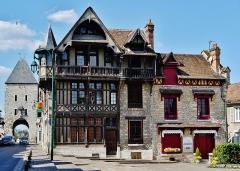 Maison Raccolet - Deutsch: Raccolet-Haus, Moret-sur-Loing, Département Seine-et-Marne, Region Île-de-France, Frankreich