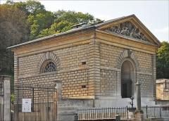 Bâtiments de la machine de Marly (également sur commune de Louveciennes) - English: Marly Machines. Building of the steam engine of Cécile and Martin.