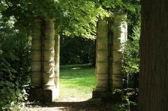 Domaine dit Désert de Retz - English: Temple of repose in the Désert de Retz park in Chambourcy, France