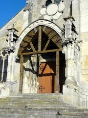 Eglise Saint-Maclou - Français:   Porche néogothique.
