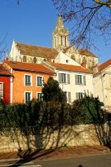 Eglise Saint-Maclou - Français:   Église Saint-Maclou de Conflans-Sainte-Honorine, vue depuis le quai des Martyrs de la Résistance.