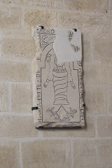 Eglise Saint-Léonard et Saint-Martin - Deutsch: Katholische Kapelle Saint-Léonard, ehemalige Pfarrkirche, in Croissy-sur-Seine im Département Yvelines (Île-de-France/Frankreich), Grabplatte für Marguerite de Patrocles († 1746)