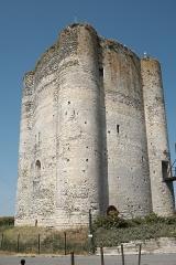 Château fort - Deutsch: Donjon in Houdan im Département Yvelines (Île-de-France/Frankreich)