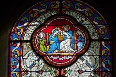 Eglise Saint-Martin - Deutsch: Katholische Pfarrkirche Saint-Martin in Jouy-en-Josas im Département Yvelines in der Region Île-de-France (Frankreich), Bleiglasfenster von Paul Nicod (1858), Szenen aus dem Leben Marias: Krönung Marias
