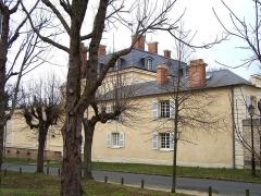 Ancien château de Madame du Barry - Français:   Pavillon des Eaux, chemin de la Machine au village de Voisins à Louveciennes (Yvelines, France)