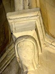 Eglise Saint-Martin -  Chapiteaux et culs-de-lampe de l'église (voir titre).