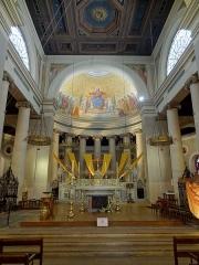 Eglise Saint-Louis - Français:   Intérieur de l\'église - voir titre.