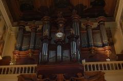 Eglise Saint-Louis -  Orgue de l'église St Germain de Saint-Germain-en-Laye; buffet de 1689 de l'instrument d'fr:Alexandre Thierry pour l'ancienne église de st Germain-en-Laye, transféré dans l'église actuelle en 1827  par Louis-Paul Dallery, entièrement reconstruit par Charles Mutin en 1903.
