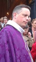 Cathédrale Saint-Louis - Français:   Bruno Valentin, en mars 2014, lors de la messe d\'action de grâce de Mgr Olivier Leborgne. Il était alors curé de la paroisse Montigny-Voisins.