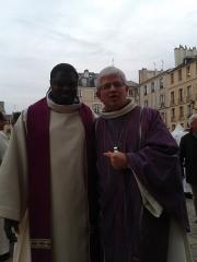 Cathédrale Saint-Louis - Français:   Mgr Leborgne et un prêtre du diocèse de Versailles