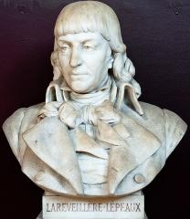 Domaine national : Salle du Jeu de Paume -  Buste de Louis-Marie de La Révellière-Lépeaux  -- Salle du serment du jeu de paume -- Versailles