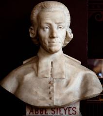 Domaine national : Salle du Jeu de Paume -  Buste de Emmanuel-Joseph Sieyès -- Salle du serment du jeu de paume -- Versailles