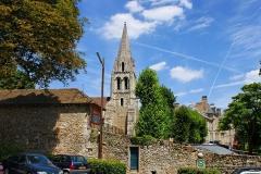Eglise -  Eglise Saint Denis situé à Athis Mons (91), à proximité de la Mairie.  Son cloché roman, datant du XII eme siècle, est classé aux monuments historiques.